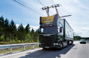Electric road hybrid truck, Scania G 360 4x2 (Hybrid Truck with Siemens pantograph on the roof) Gävle, Sweden Photo: Tobias Ohls 2016Tobias Ohls (CC BY-NC-ND 3.0)
